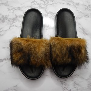 Ugg Australia Royale Lamb's Fur Sandals/Slides, 7
